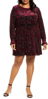 Gibson X Glam Tara Flocked Velvet Long Sleeve Date Dress