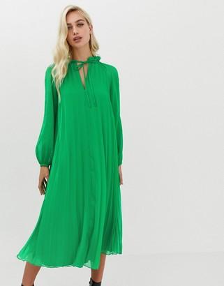 Asos Design DESIGN pleated trapeze midi dress with tie neck-Green