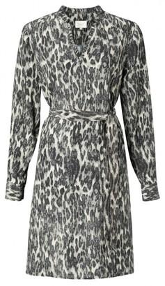 Ya-Ya Belted Midi Dress with Ruffle V Neck - 36 | viscose | olive - Olive