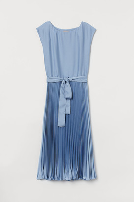 H&M Pleated Dress - Blue