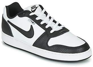 Nike EBERNON LOW PREMIUM men's Shoes (Trainers) in White