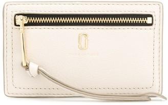 Marc Jacobs Logo Zipped Wallet
