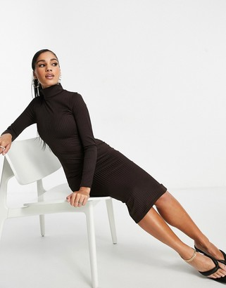 I SAW IT FIRST ribbed roll neck midi dress in chocolate