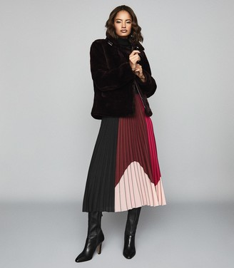 Reiss Carlie - Colour Block Pleated Midi Skirt in Black/pink