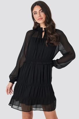 NA-KD Frill V-Neck Chiffon Mini Dress