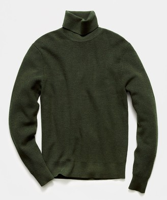 Todd Snyder Solid Ribbed Turtleneck in Olive