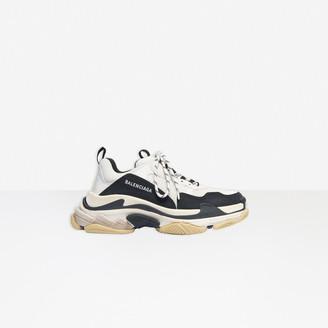Balenciaga Triple S Sneaker in white, black and light grey double foam and mesh