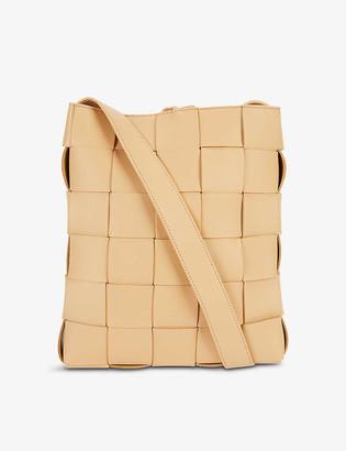 Bottega Veneta Cassette Messenger intrecciato leather tote bag