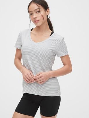 Gap GapFit Breathe V-Neck T-Shirt