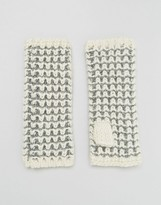 Alice Hannah Tuck Stitch Armwarmers