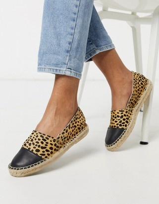 Solillas leather espadrilles with black toe cap in leopard