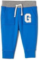 Gap Athletic logo pocket pants