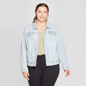 Universal Thread Women's Plus Size Freeborn Jean Jacket - Universal ThreadTM Light Blue