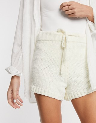 In The Style x Billie Faiers knitted shorts co-ord in white