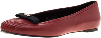 Salvatore Ferragamo Red Pleated Leather Bow Detail Ballet Flats Size 36.5