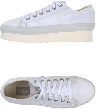 SOYA FISH Low-tops & sneakers