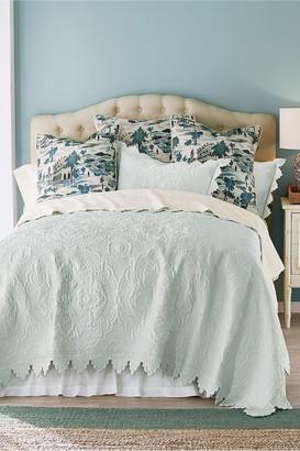 Soft Surroundings Marguerite Scalloped Quilt