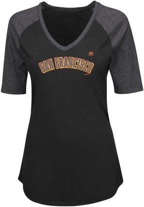 Majestic Women's Black San Francisco Giants Plus Size Quick Hands Half-Sleeve V-Neck Raglan T-Shirt