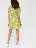 Very Crepe Short Sleeved Mini Dress - Print