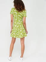 Very Crepe Short Sleeved Mini Dress - Print