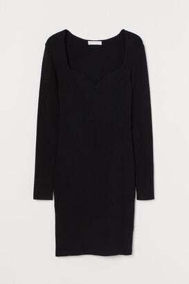 H&M Sweetheart-neckline dress
