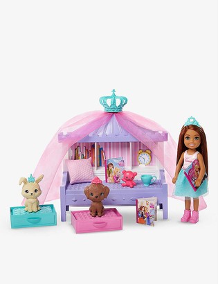 Barbie Princess Adventure Chelsea Doll and Princess Storytime playset