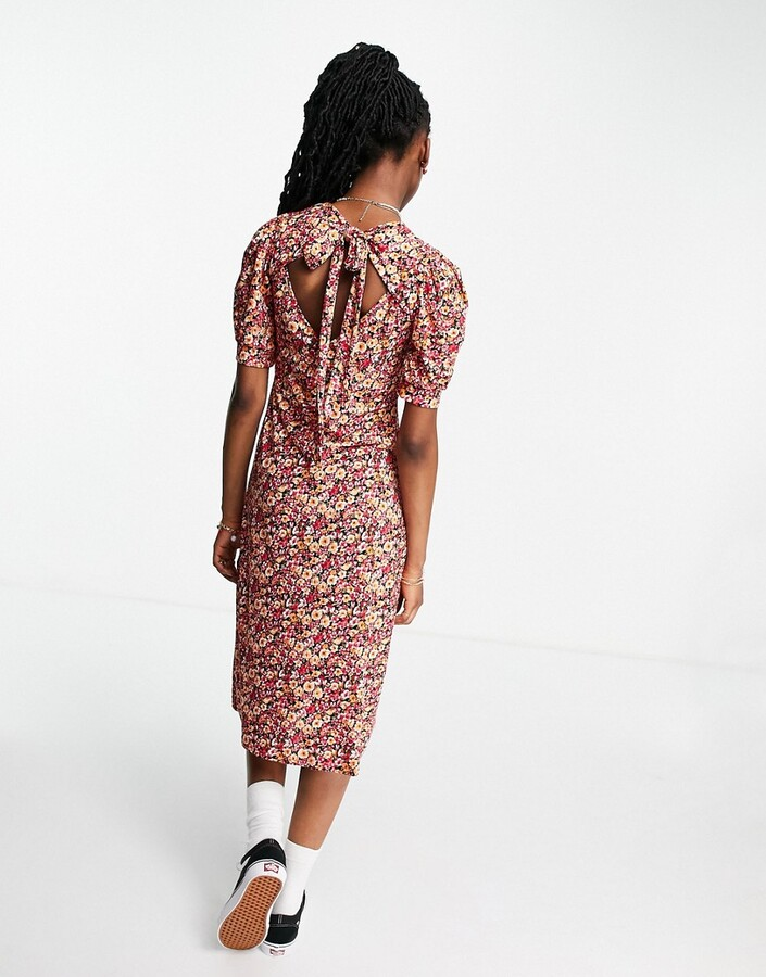 Thumbnail for your product : Qed London tie neck midi dress in floral print