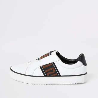 River Island Boys white RI tape detail slip on trainers