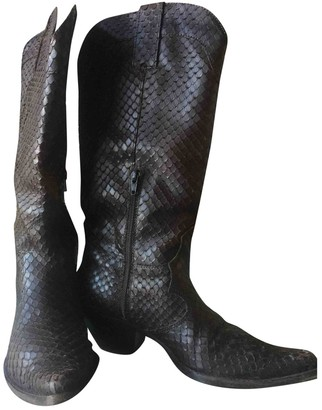 Non Signé / Unsigned Non Signe / Unsigned Brown Python Boots