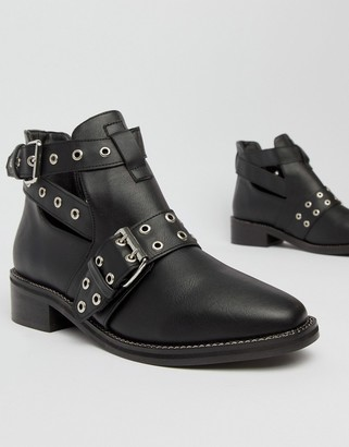 Truffle Collection Flat Ankle Boots