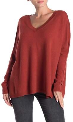 Kier & J V-Neck Oversized Cashmere Sweater