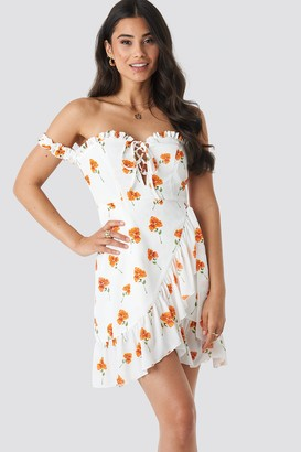 NA-KD Adorable Caro X Off Shoulder Frill Dress White