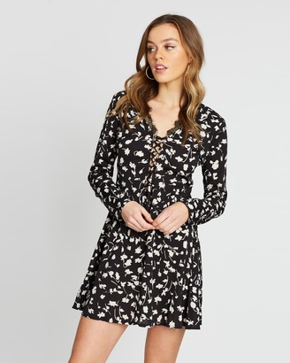 Missguided Floral Lace-Up Lace Hem Mini Dress