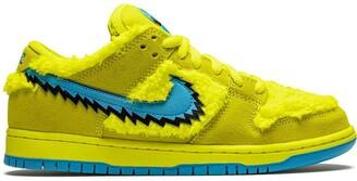 Nike x Grateful Dead SB Dunk Low sneakers