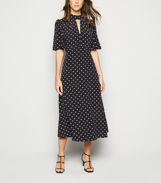 New Look Spot Flutter Sleeve Midi Dress
