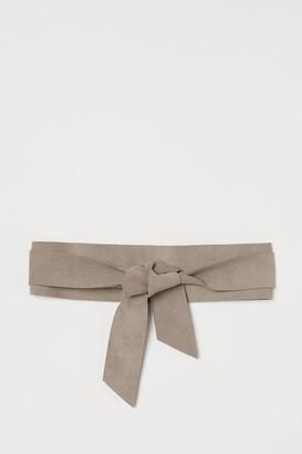 H&M Suede Tie Belt