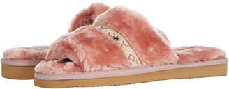 Minnetonka London (Cream Faux Fur) Women's Sandals