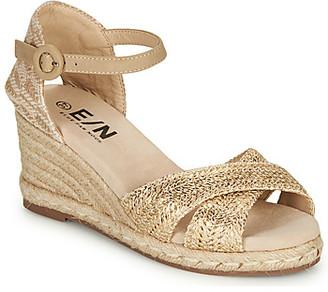 Elue par nous GIRAFON women's Sandals in Gold