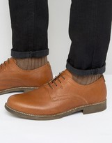 Red Tape Derby Shoes In Milled Tan