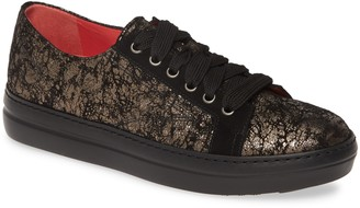 Pas De Rouge Dixie Metallic Low Top Sneaker