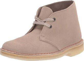 Clarks womens Desert Boot. Chukka Boot