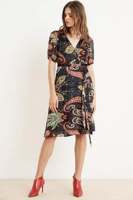 Velvet by Graham & Spencer Velvet By Graham Spencer Taylor Paisley Short Sleeve Wrap Dress