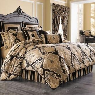 J Queen New York Bradshaw Black Queen Comforter Set in Black