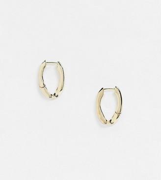 DesignB London Exclusive hoop earring with twist link in gold