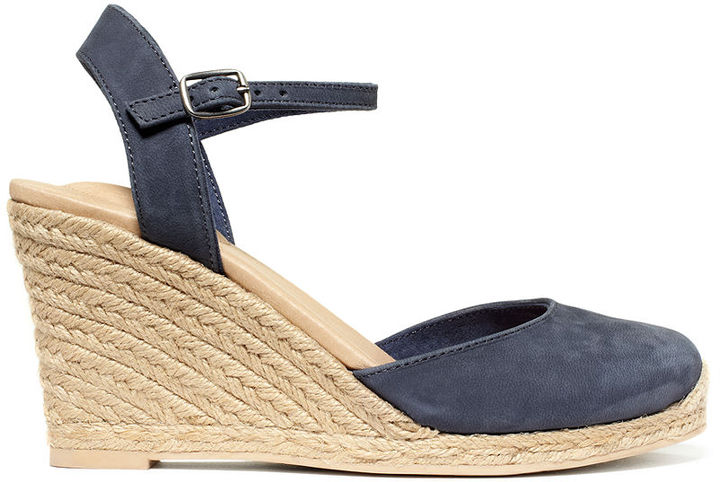 Me Too Shoes, Bethany Platform Wedge Sandals