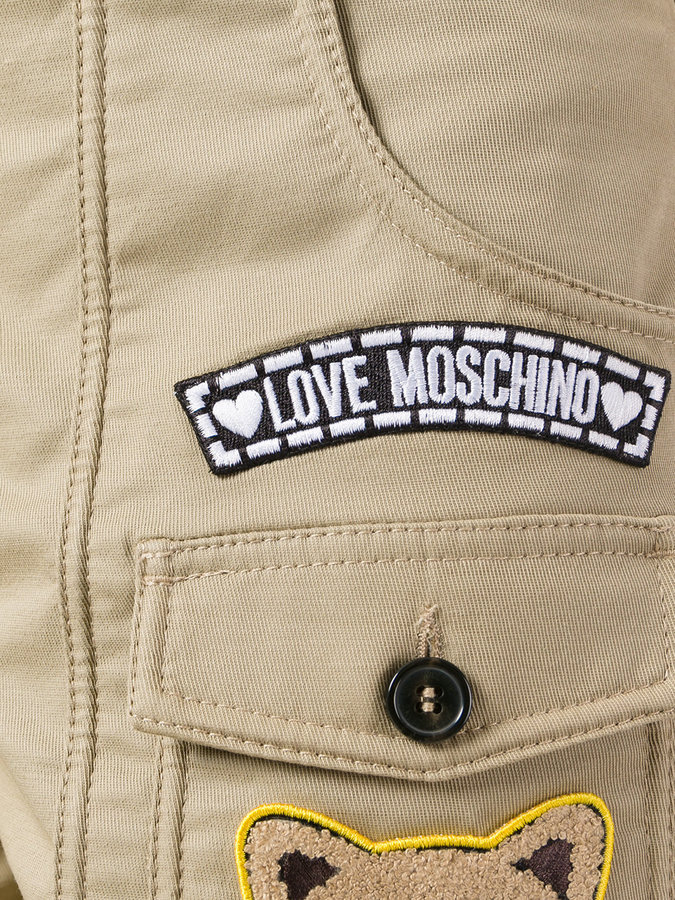 Love Moschino patch cargo shortd