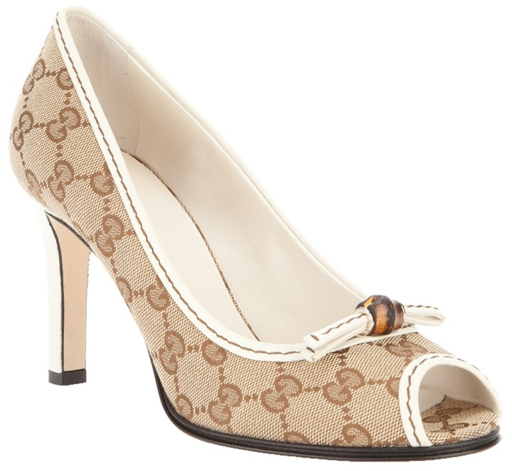 Gucci monogram pump