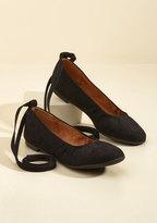 BC Footwear It's Tie to Go Vegan Flat in Noir in 7