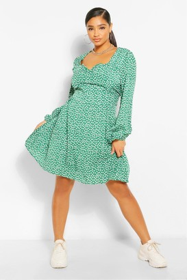 boohoo Plus Ditsy Floral Sweetheart Skater Dress
