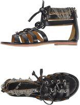 MET Sandals